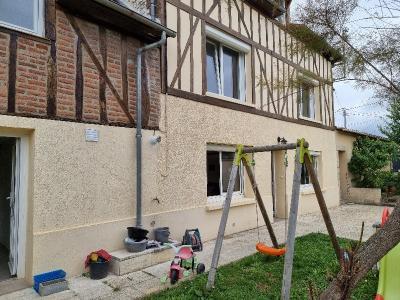 Maison d'habitation SAINT PIERRE LES ELBEUF centre-ville - A visiter !