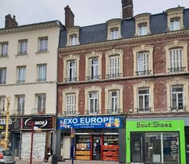 IDEAL INVESTISSEUR - Bonne rentabilité - lot de 3 appartements en plein centre-ville d'Elbeuf